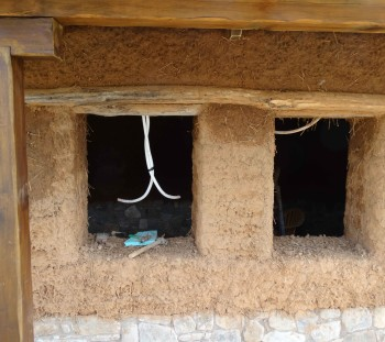 Απόψεις του οβάλ κτίσματος κατά την εξέλιξη κατασκευής του