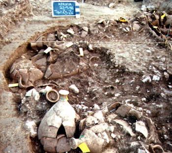 Αποθηκευμένοι στο εργαστήριο οινηροί αμφορείς του 5ου αιώνα π.Χ., τύπου Μένδης