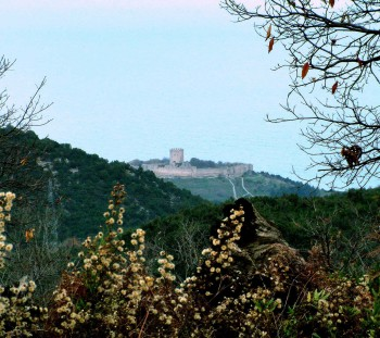 The Platamon castle, is mostly considered to be built by the Franks, but its masonry indicates more periods