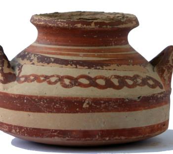 Spathes cemetery: Straight - sided alabaster of Mycenaean rhythm